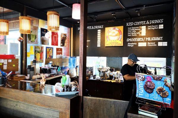 ラウンジにあるカフェ