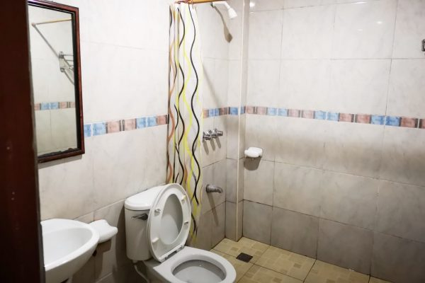 学生寮 シャワー&トイレ